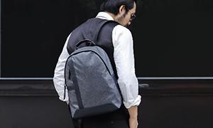 男士休闲防水配超纤双肩背包 ——恩典皮具背包案例